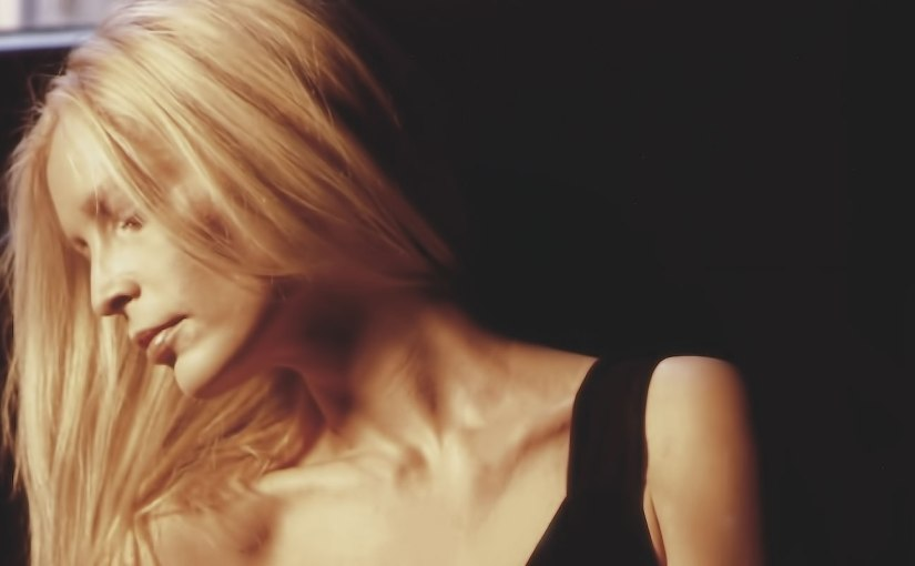 "Patty Pravo – LA LUNA – Battiti live"" suYouTube"