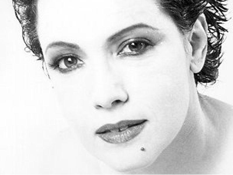 """Antonella Ruggiero_Coniglioviola – Concerto Senza Titolo (Bologna 27/01/2012)"""" suYouTube"""